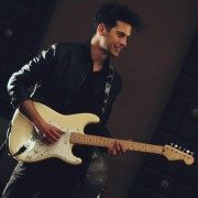 Experienced Bass Guitar, Guitar, Italian Tutor in London